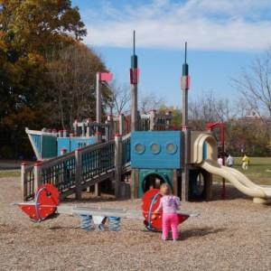 【Flint Park】海沿いの小さな町Larchmontにある公園