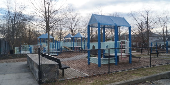 【Welty Park】Yonkersの民家に囲まれた公園